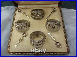4 Salerons, 4 petites cuillères, Argent Massif, poinçon tête de Minerve
