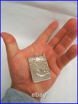 Ancien carnet de bal en argent 800 poinçon orfévre art nouveau décor de gui 1900
