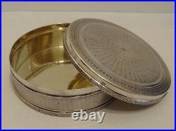 Boite ronde en argent massif décor guilloché poinçon Minerve