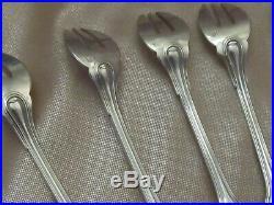 Série de 6 fourchettes à huîtres argent massif poinçon minerve modèle coquille