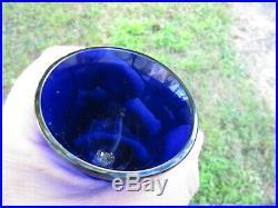 Superbe moutardier argent massif et sa verrine bleue. Poinçon vieillard. 14cm haut