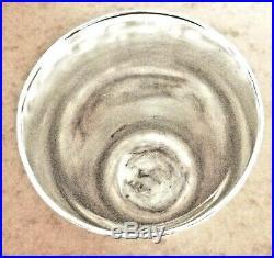 Timbale argent poinçon tête de Mercure par Puiforcat. Haut 11cm. Poids 280 gr